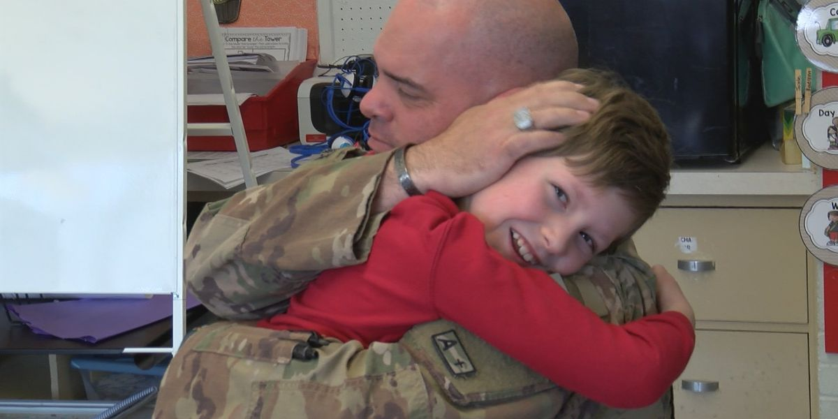 KSLA Salutes: Dad surprises son at school