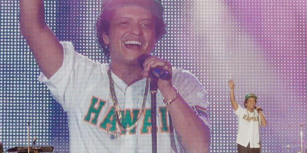 Bruno Mars provides 24,000 Thanksgiving meals