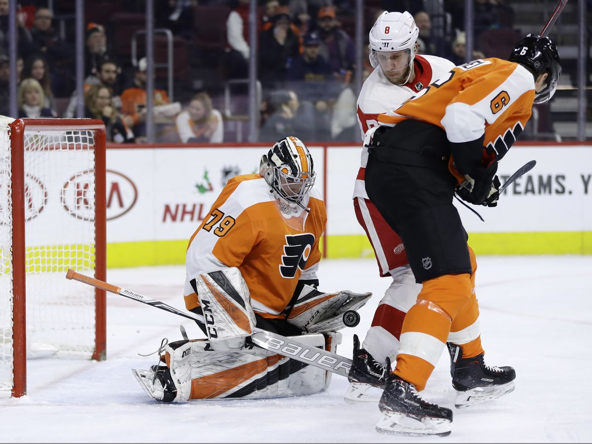 Hart stops 20 shots in NHL debut, Flyers top Red Wings 3-2