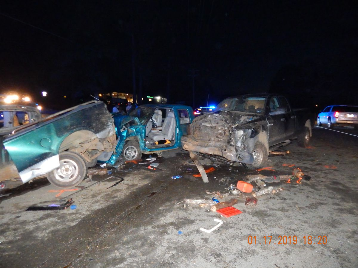 1 dead following multi-vehicle crash in Sabine Parish, several injured