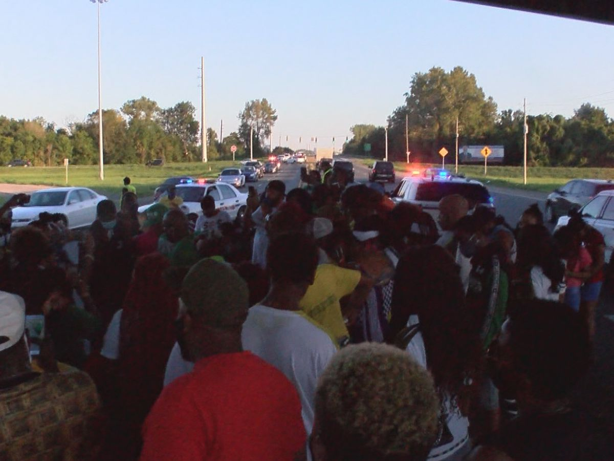 Stop the Violence March held in honor of Minnion Jackson