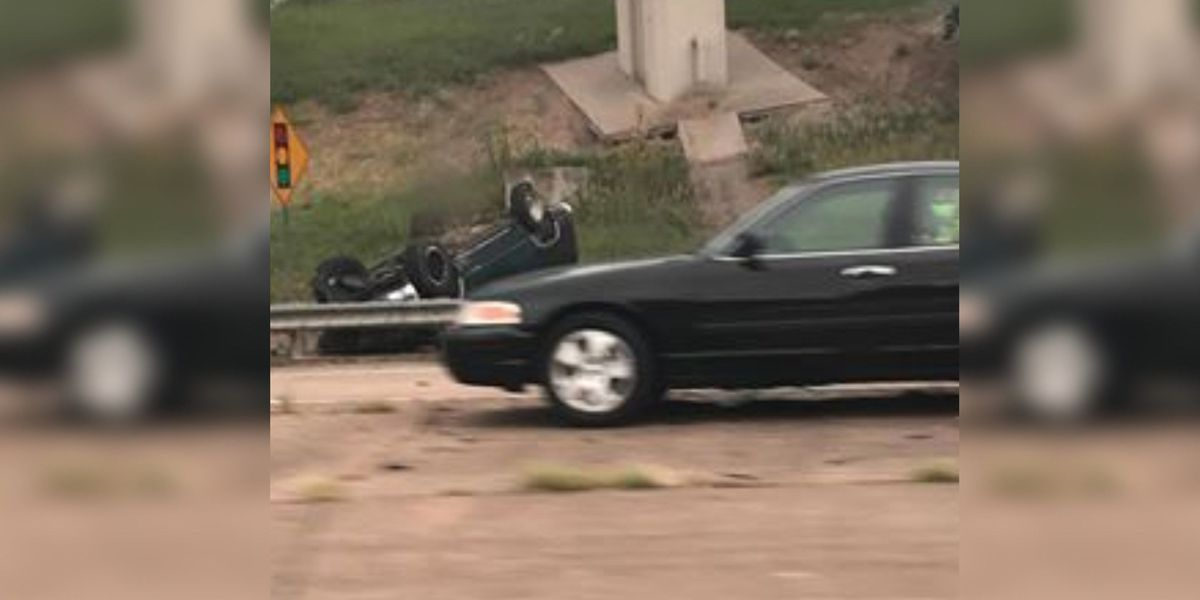 Two vehicles wreck on I-20