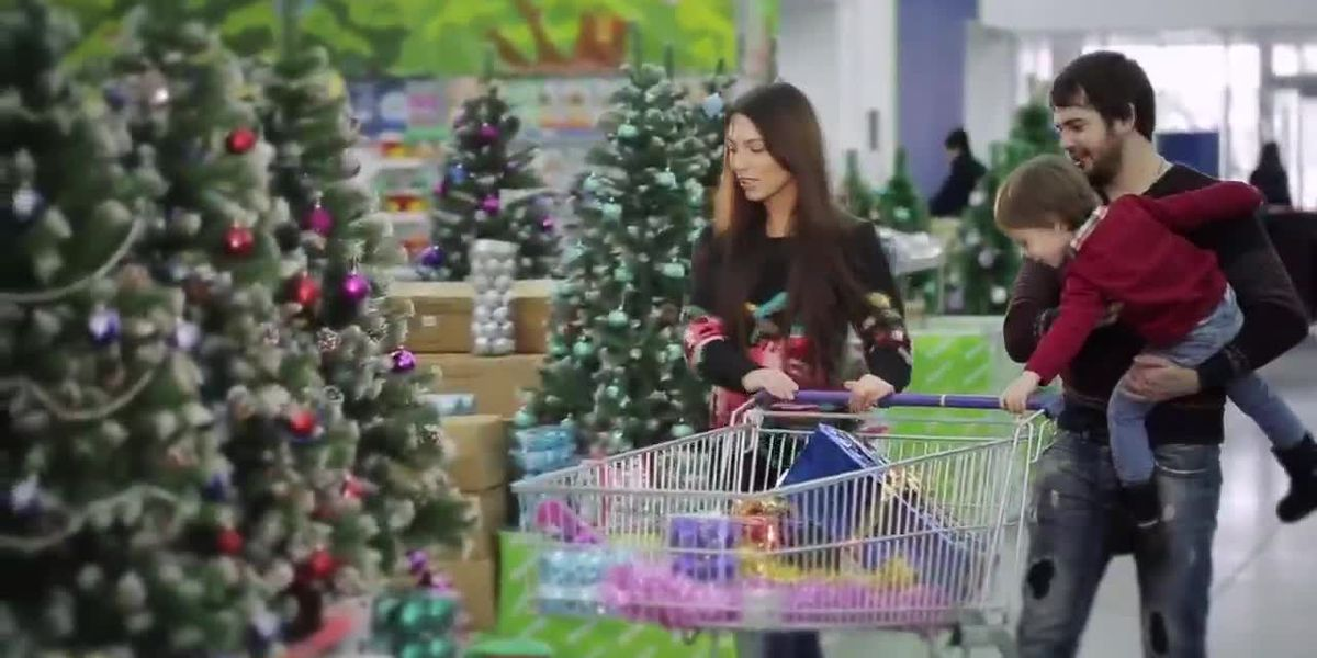 Spending Smarter: Christmas hours at popular retailers
