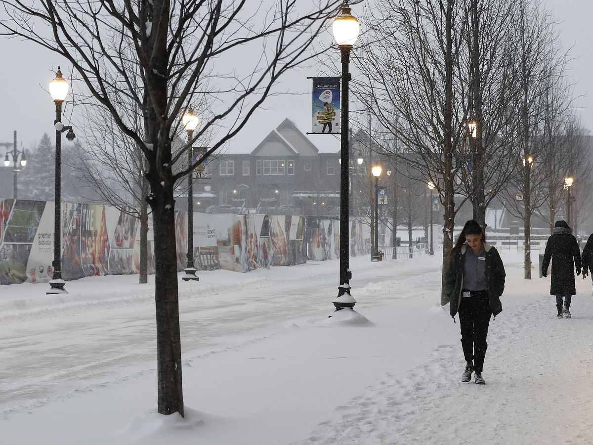 Storm that carpeted Midwest with snow barrels to New England