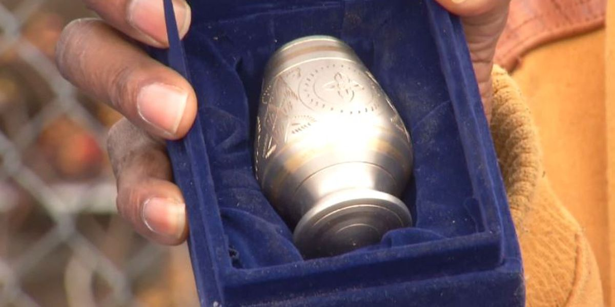 Man finds human ashes on ground at MI car wash, returns them to family