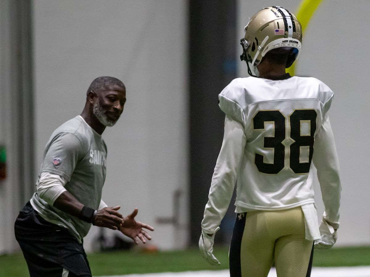 Report: Aaron Glenn leaving Saints to become Lions defensive coordinator