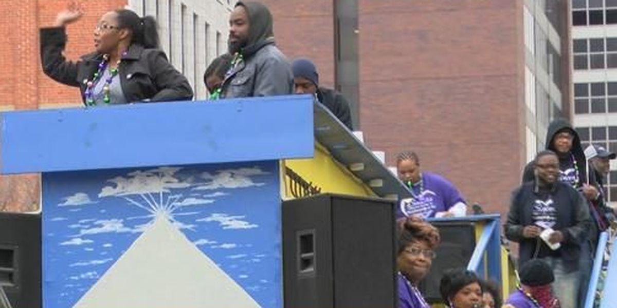 Shreveport decides against issuing parade permits