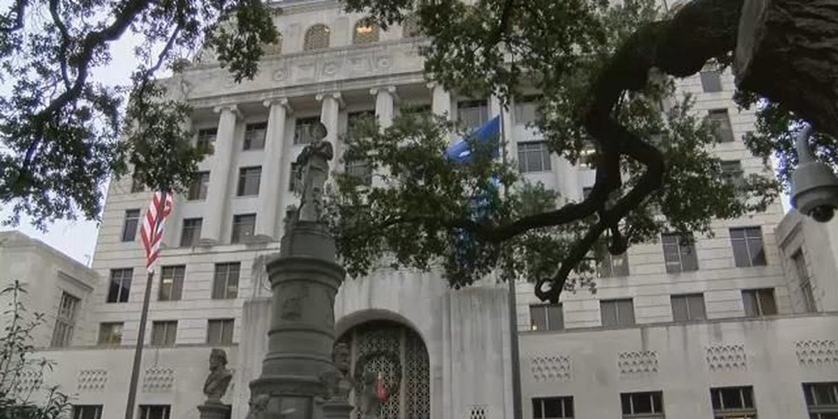 Caddo advances proposal to build fence around courthouse