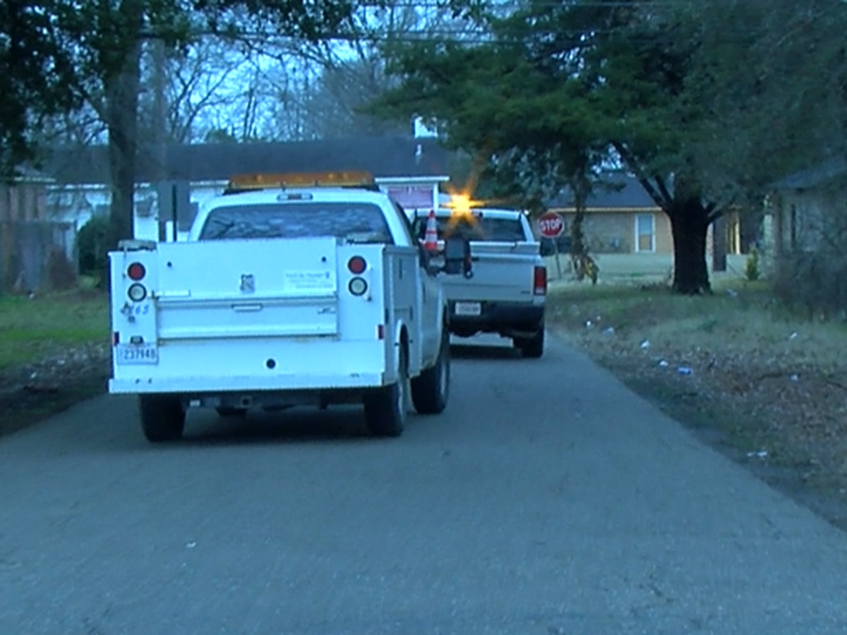 Shreveport city employee carjacked at gunpoint; vehicle later recovered