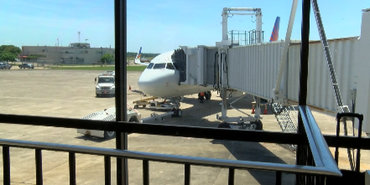 City Council postpones vote on purchasing used jetways at Shreveport Regional