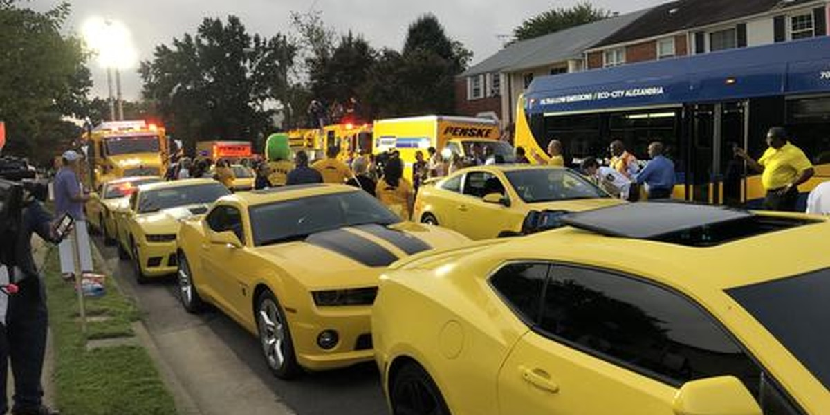 200 yellow cars show up for boy with cancer