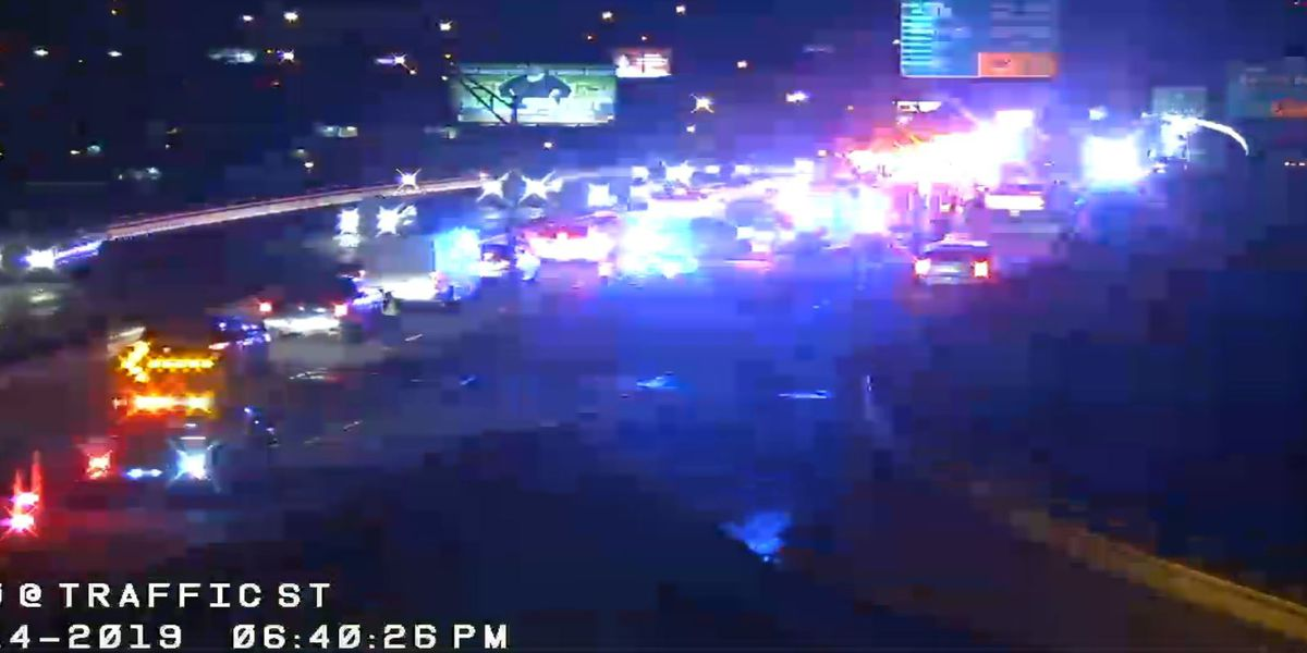 SPD on scene of multi-vehicle wreck on I-20; traffic blocked