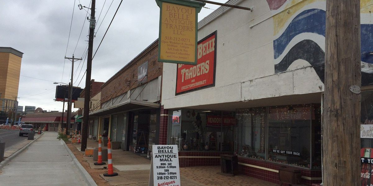 Store owner believes construction hurts business' holiday sales