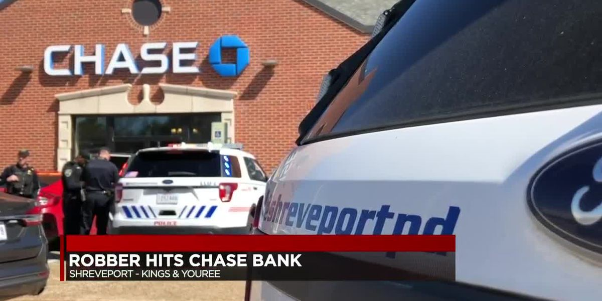 Employee, concerned citizen tackle suspect during attempted robbery at Chase Bank