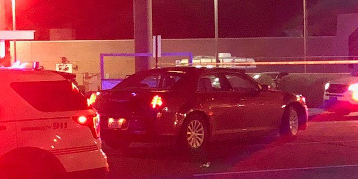2 pedestrians struck by vehicle in west Shreveport