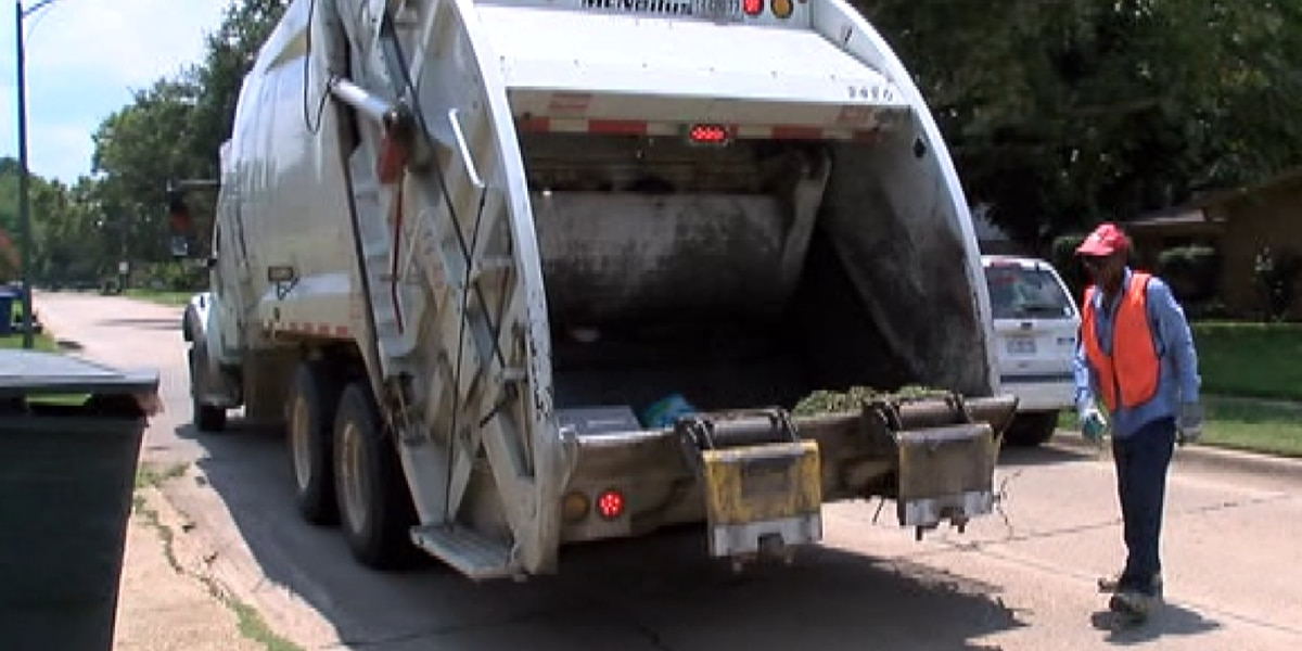 Shreveport council delays vote on garbage collection fee