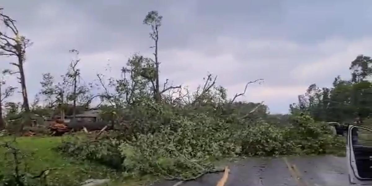 3 dead, dozens injured after tornado blows through Polk County
