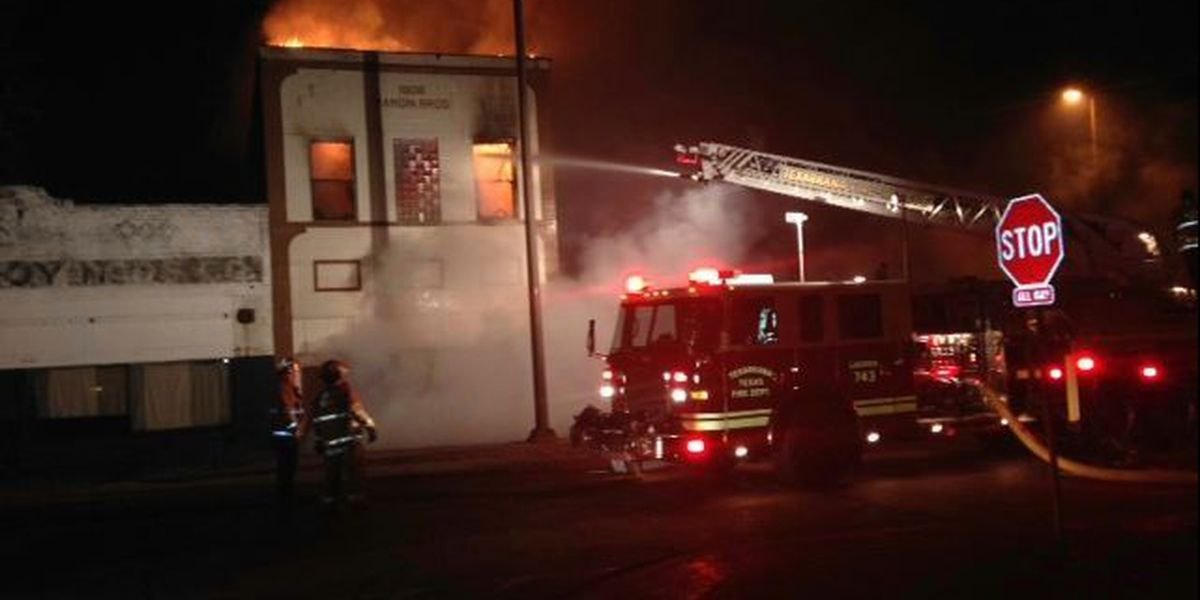 Building collapses in fire in downtown Texarkana, TX