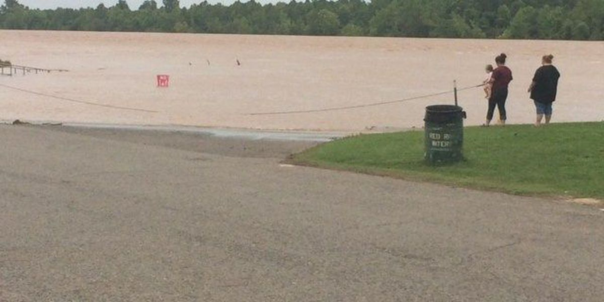 Sandbags to protect Bossier Sheriff's substation from rising Red River