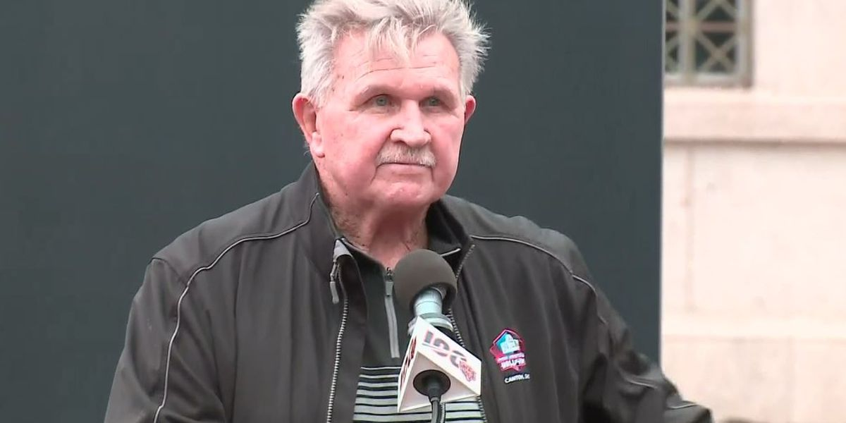 Mike Ditka to kneeling athletes: Get out of the country