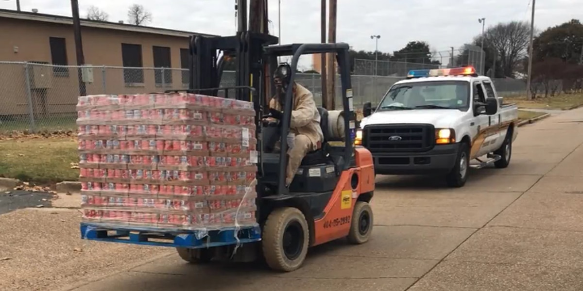 Inmate service donates canned goods to Operation Blessing
