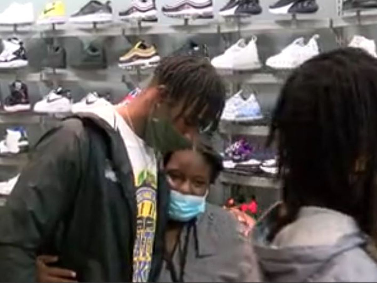 LSU wide receiver Terrace Marshall Jr. surprises 6 youths with a shopping spree