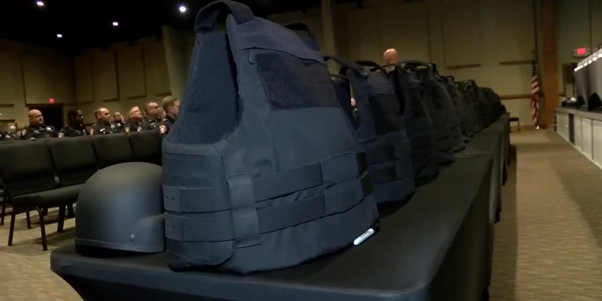Non-profit donates vests, helmets to TTPD