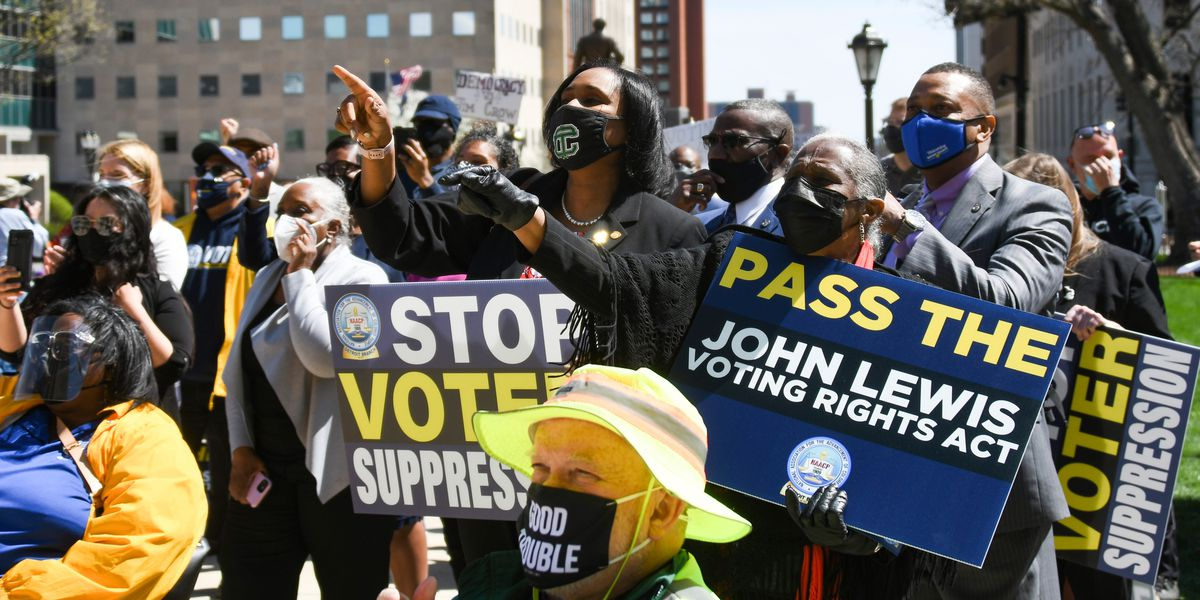 Leaders of GM, Ford among objectors to voting restrictions