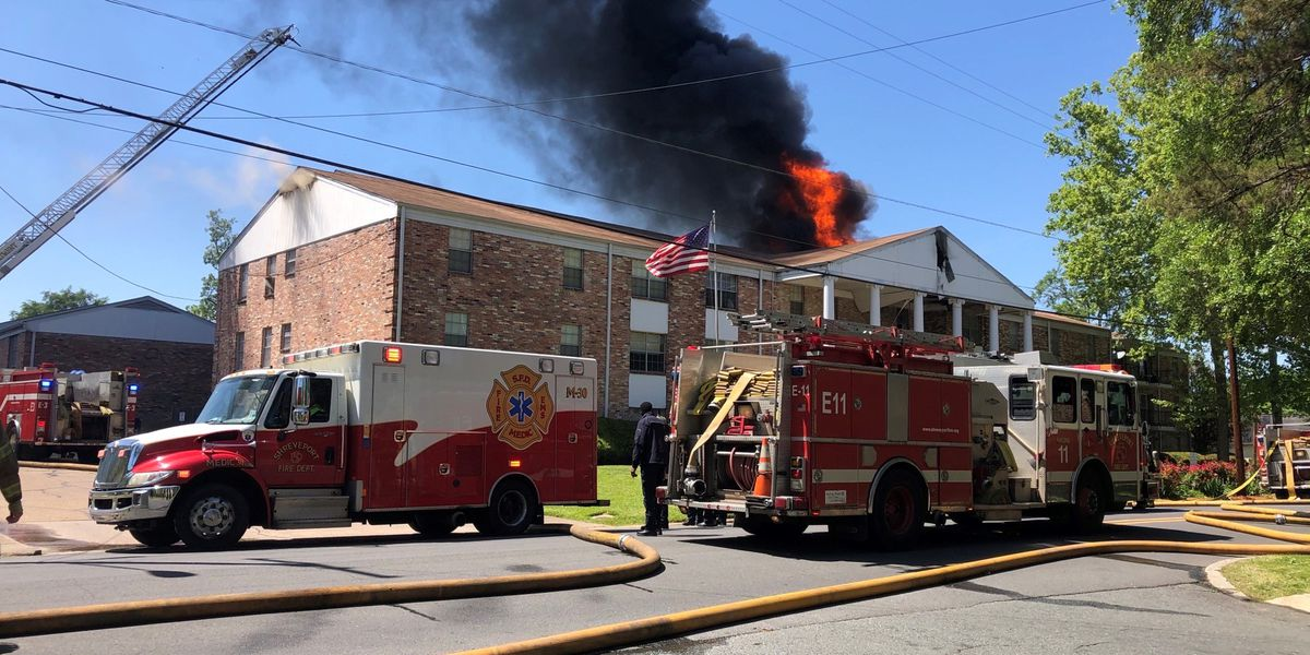 At least two dozen units respond to 2-alarm fire at condo complex on Fairfield Ave. in Shreveport