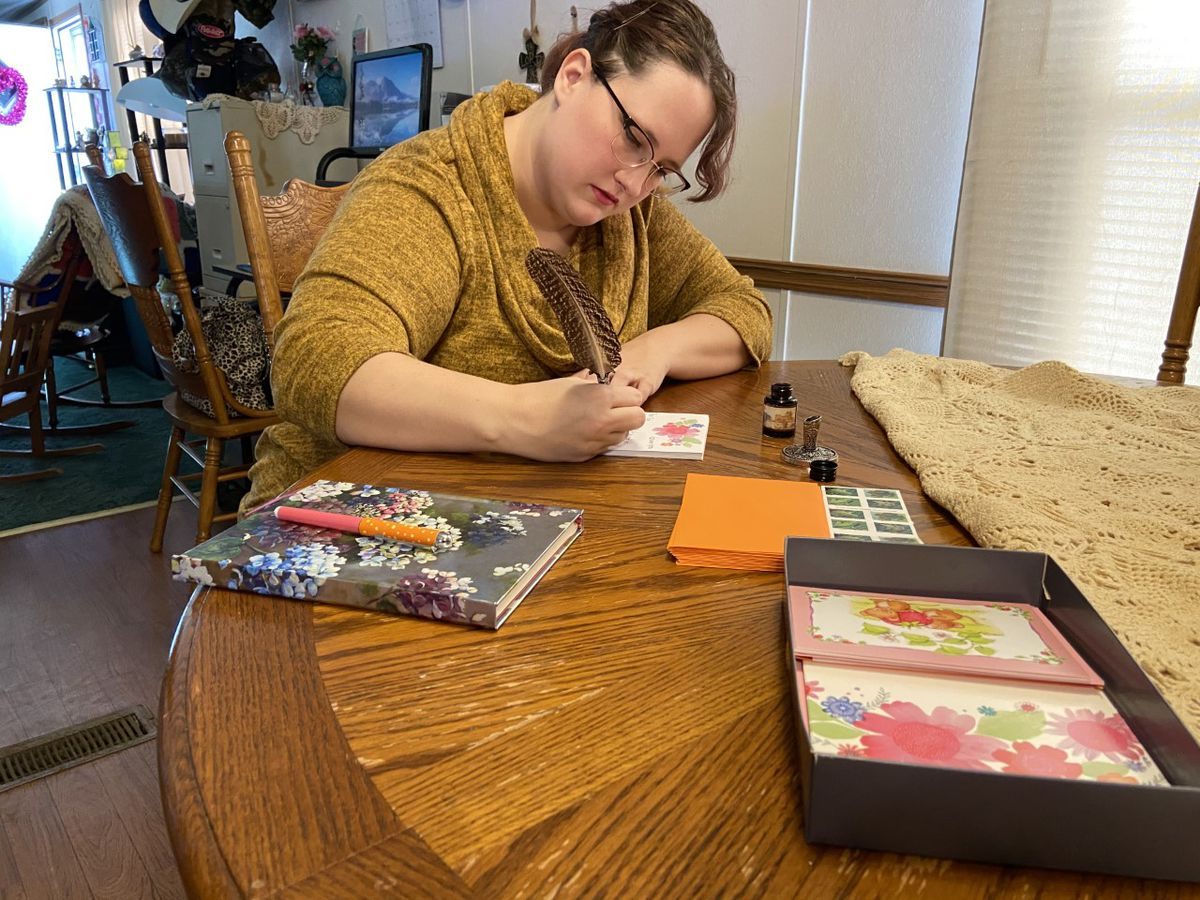Alli Grimes east texan using handwritten letters to connect with community