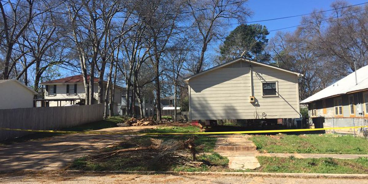 Tensions up over manufactured house in historic neighborhood