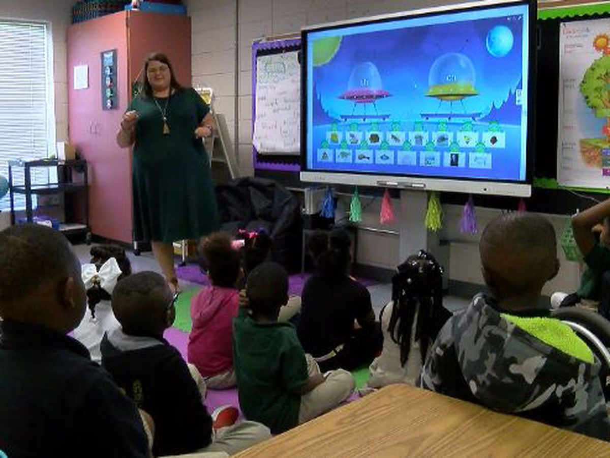 DeSoto Parish School district adds new smart boards in all classrooms