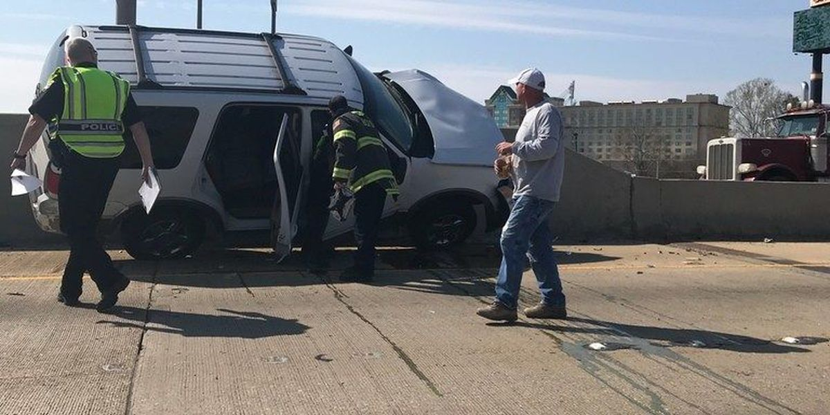 Wreck blocks two lanes of traffic on I-20 west in Bossier City