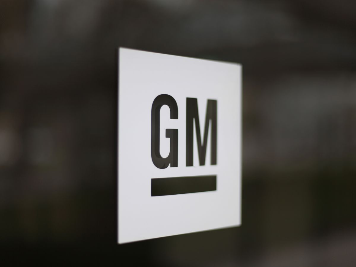 GM to recall 7 million vehicles globally to replace Takata air bags