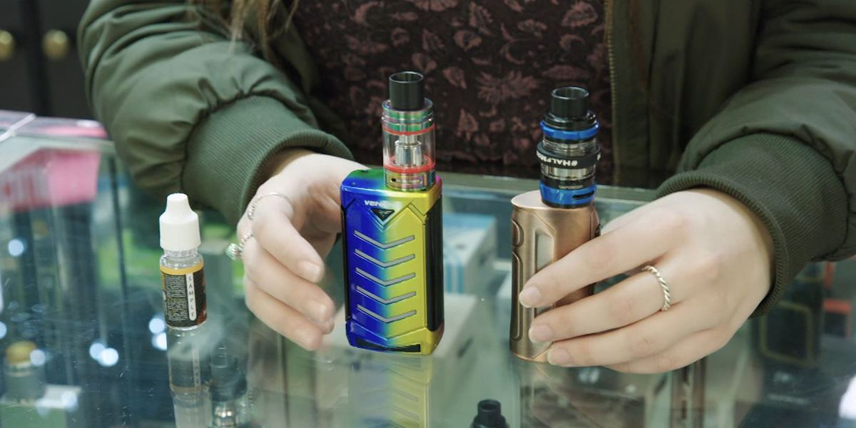 US vaping illnesses continue to rise, cause still a mystery