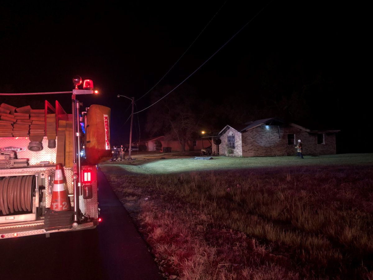 Crews investigating fire at N. Shreveport home