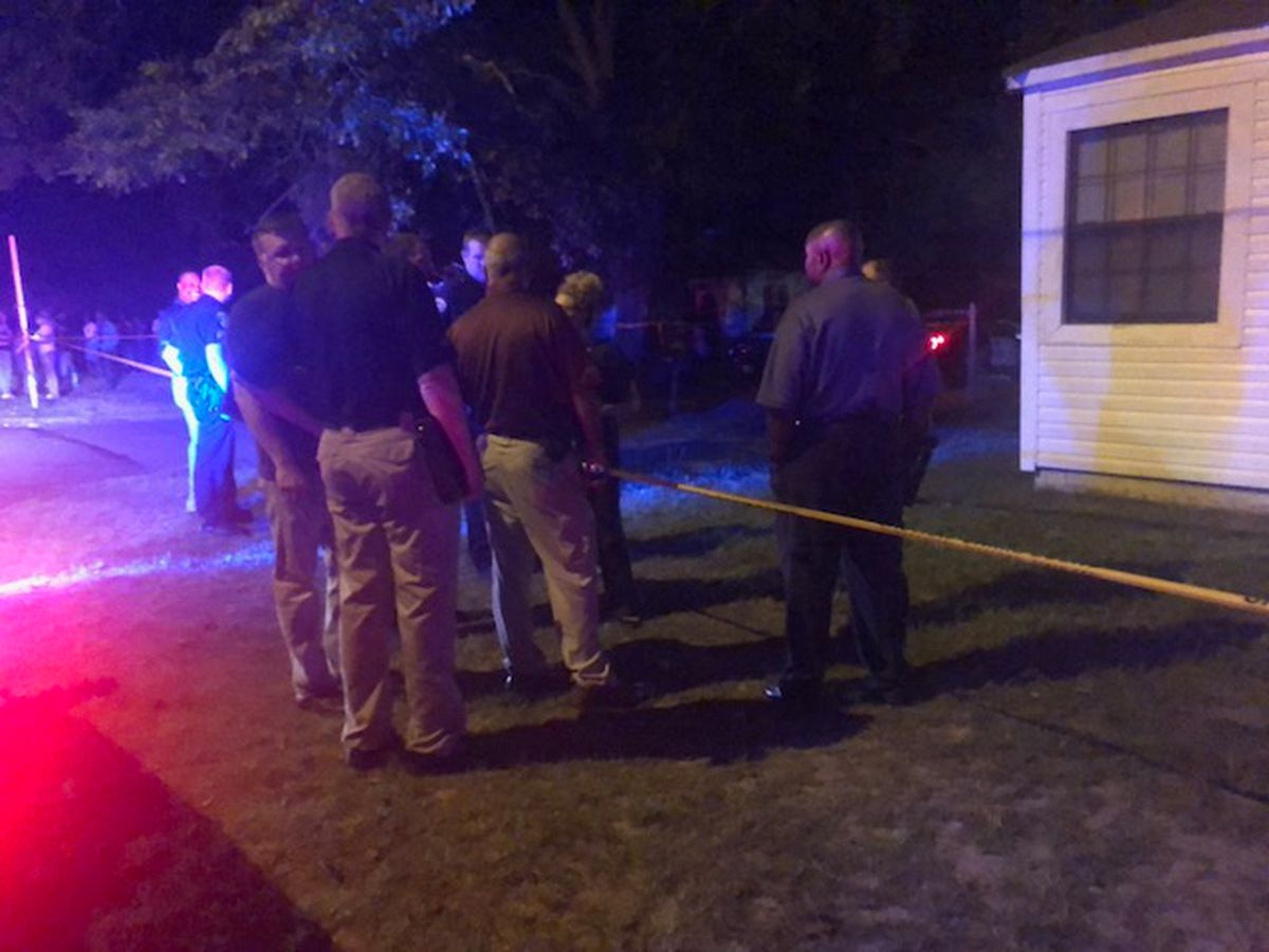 Man, woman found shot to death in Texarkana
