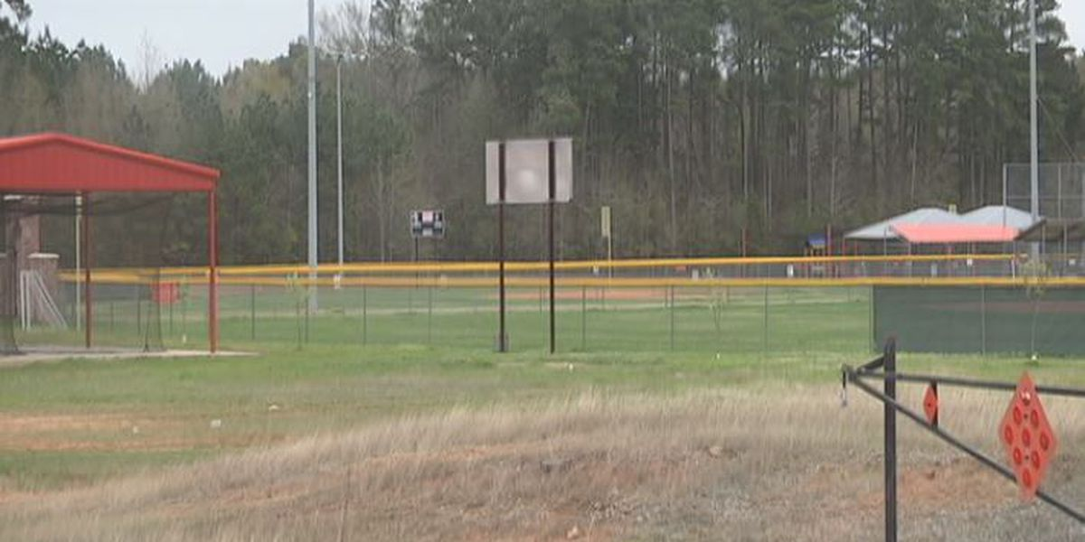 Little league coach accused of stealing thousands from parents