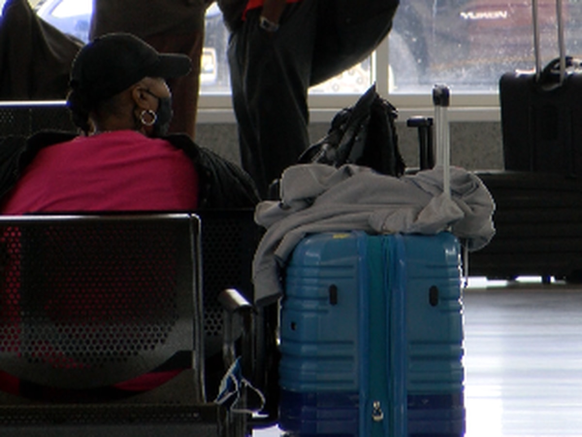 Despite CDC warning, millions of Americans traveling for Thanksgiving