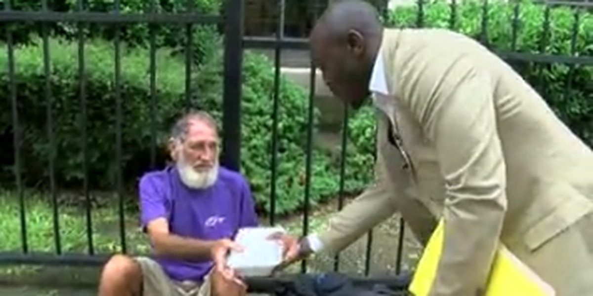 Shreveport man gives meal to the homeless every week