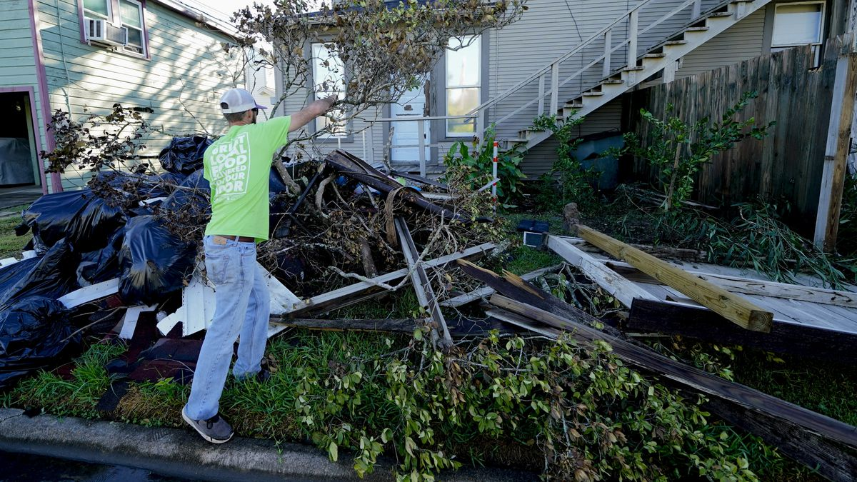 'We can't lose our momentum:' Louisiana vows to rebuild