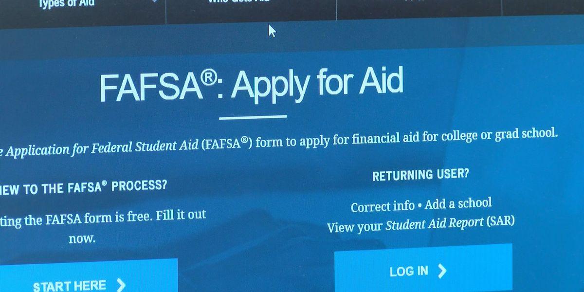 High school seniors should complete FAFSA by Feb. 1