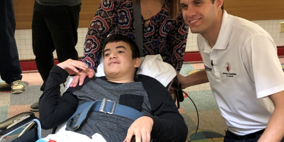 NASCAR racer makes pit stop at Shriners