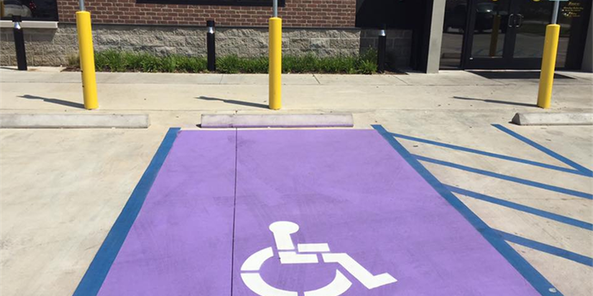 Purple Heart parking spot created for wounded warriors at Bossier City restaurant