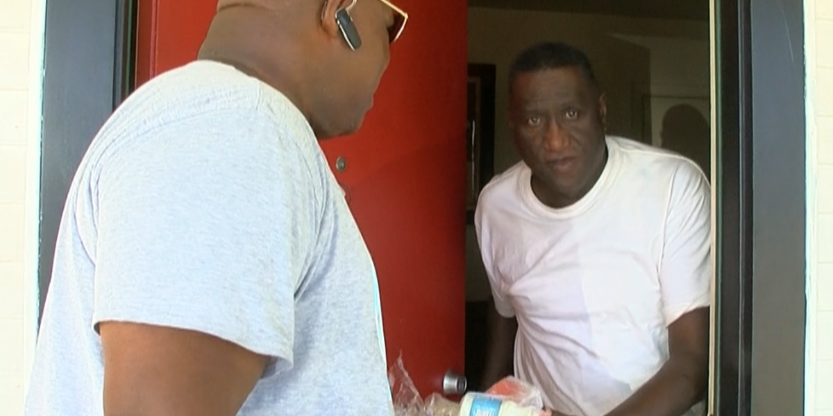 Hot weather has Meals On Wheels drivers checking on senior citizens