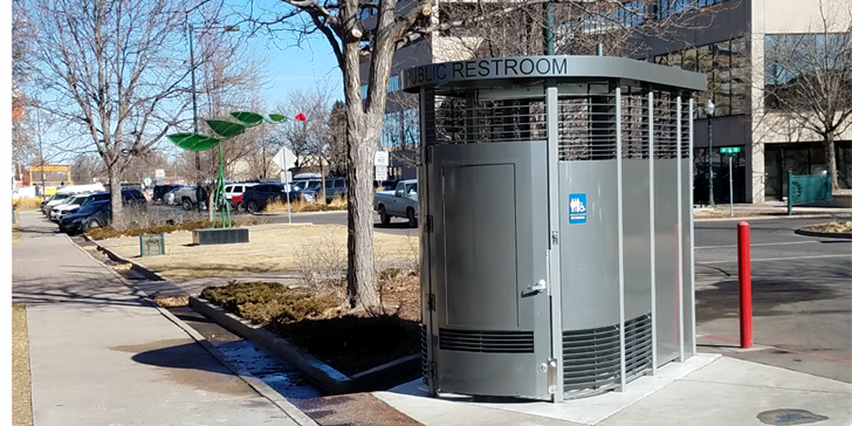 Commission debates outdoor courthouse toilet for homeless