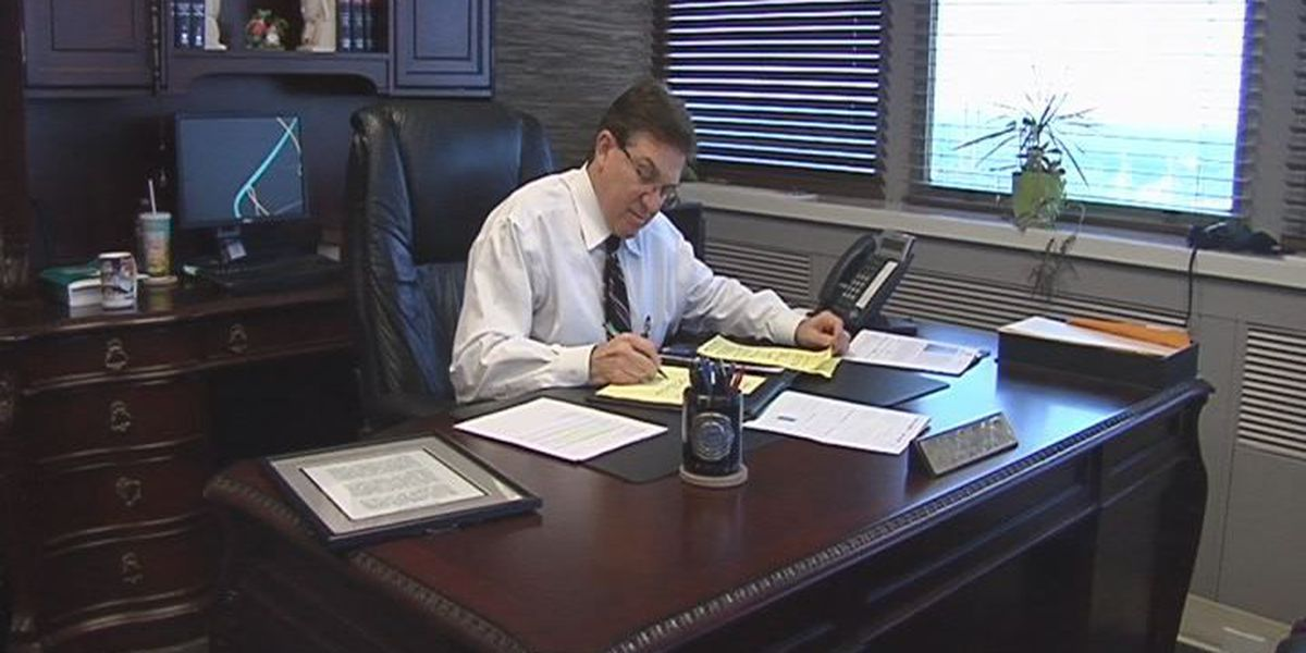 Caddo public defender's office to operate in deficit