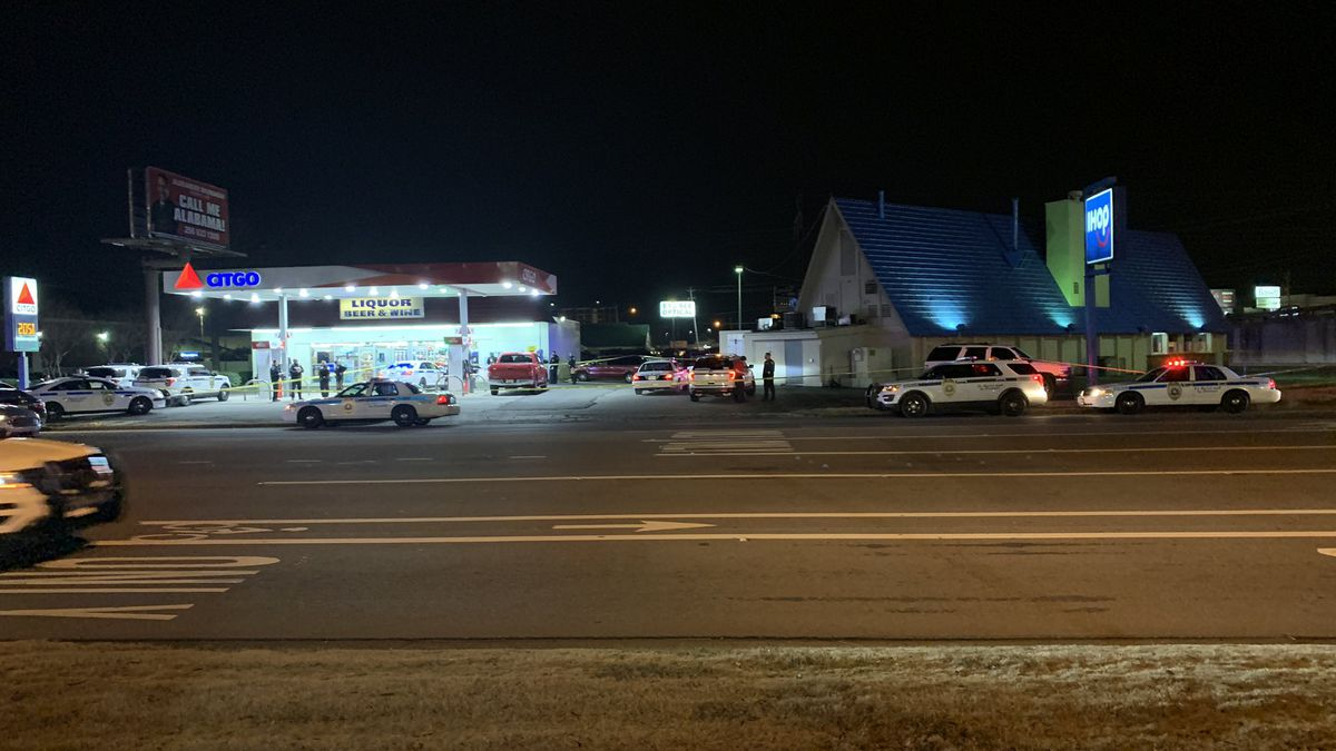 3 shot, 2 dead at Alabama IHOP