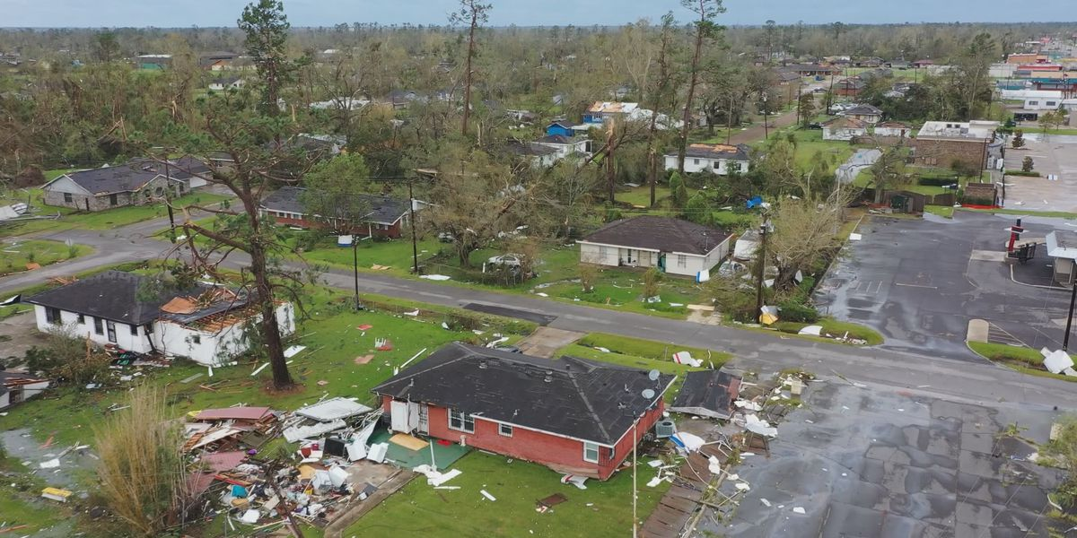 'It is a horrible feeling,' Lake Charles evacuees describe anxiety returning to devastation