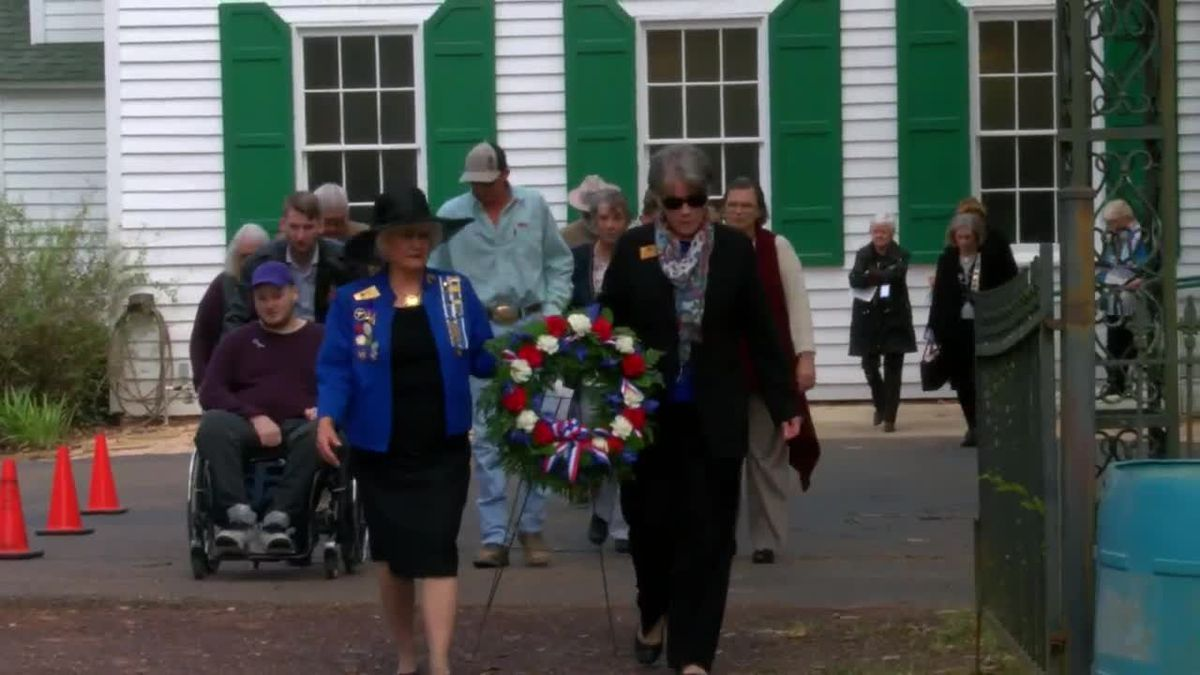 WEBXTRA: Daughters of the American Revolution hold marking ceremony for gravesite of William Sparks